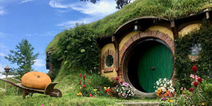 Hobbiton Movie set student tours